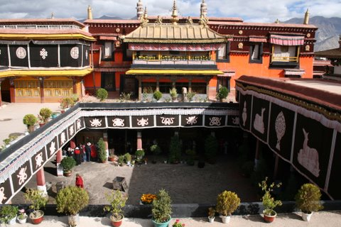 Jokhang Temple Roof & Courtyard